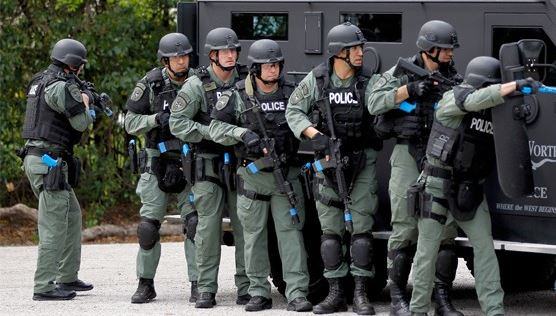 Police Swat militarized