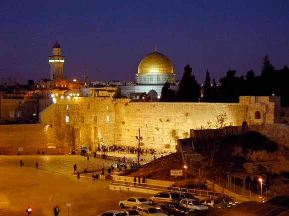 jerusalem-temple-mount-at-night